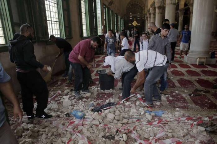 enfrentmientos explanada Mezquitas Jerusalen 2015 interior