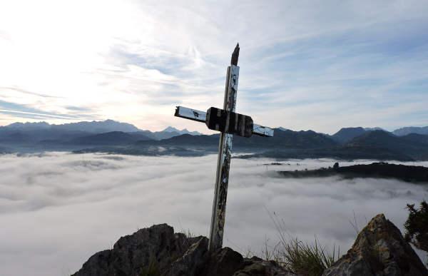 cruz-pena-del-villar-asturias