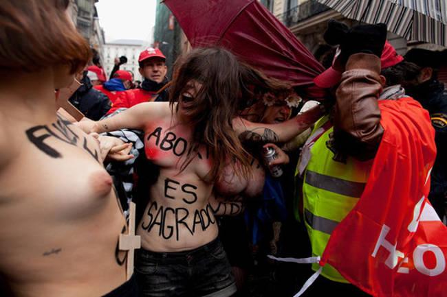 Femen aborto sagraado