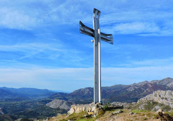 cruz-pico-moro-asturias