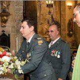 ofrenda floral a la virgen en la misa del Pilar Villaviciosa 2015