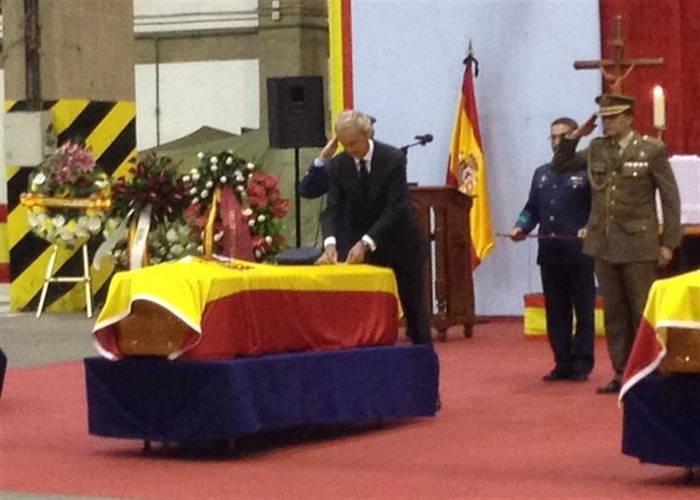 funeral religioso militares muertos accidente 2015