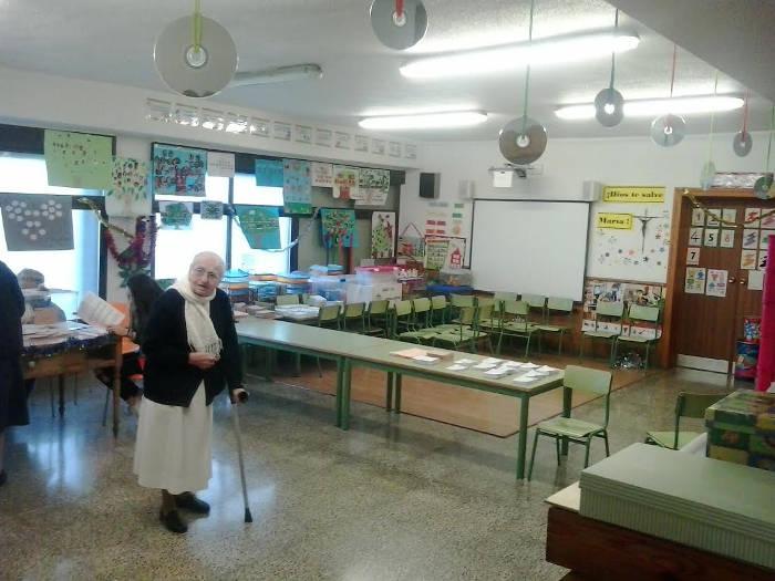 Colegio Electoral Regina Mundi Granada 2015 crucifijo