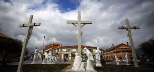 Cruceiros y esculturas en un parque de Navalcarnero que costó 212.000 euros SAMUEL SÁNCHEZ