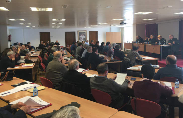 delegados ensenanza conferencia Episcopal 2016