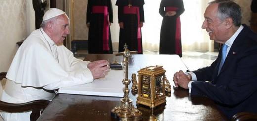 Bergoglio con presidente Portugal 2016