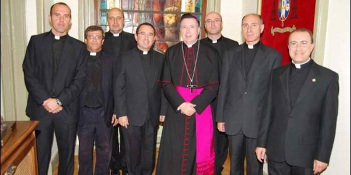 El Vicario General con algunos de sus Capellanes Castrense