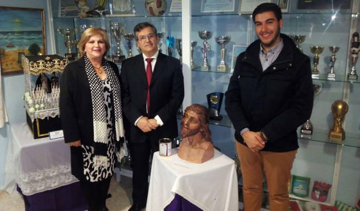 alcalde Isla Cristina exposicion cofrade 2016