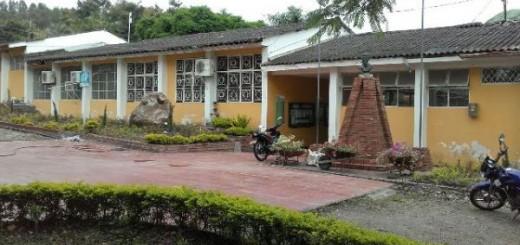 Este es el colegio Simón Bolívar de Garzón donde dicta clases el profesor Miguel Lorenzo Trujillo