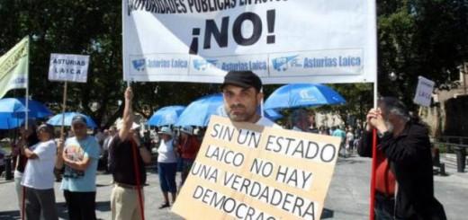 protesta autoridades actos religiosos Asturias Laica