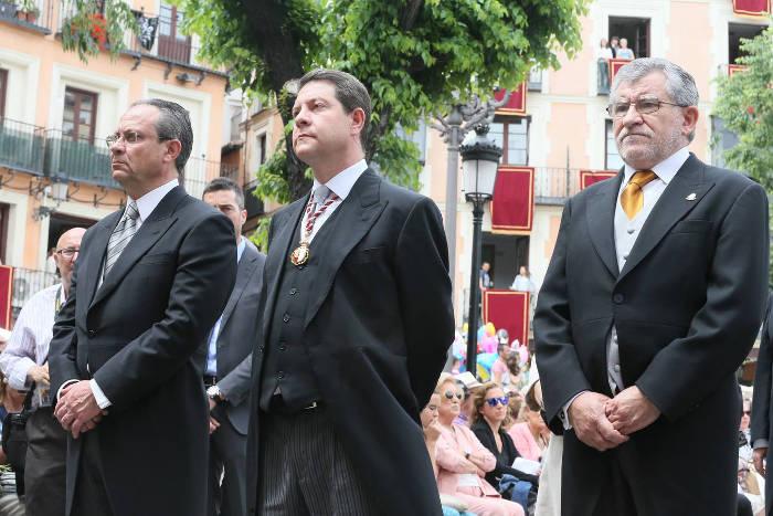 Garcia Page presidente Castilla La Mancha procesion Corpus Toledo 2016