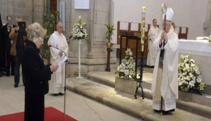Facebook Virgen córneo en La Coruña