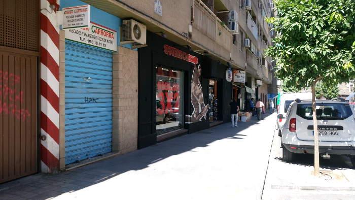 Locales comerciales en Casillas del Prat, 5 con una superficie superior a los 600 m2.
