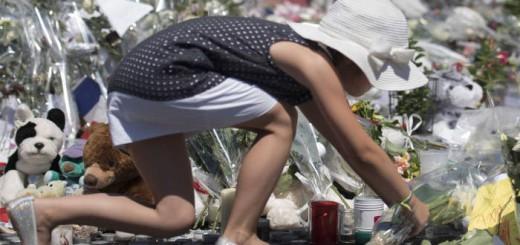 Flores atentado Niza 2016