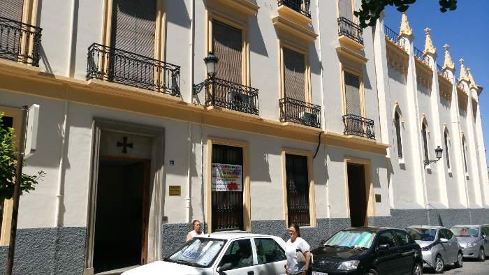 Residencia Universitaria Esclavas del Corazón Jesús en la calle San Jerónimo
