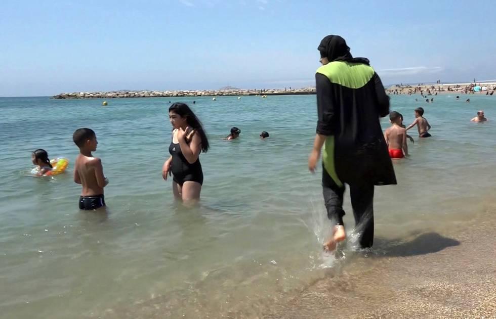 La ciudad francesa de la Costa Azul prohíbe la prenda en nombre de la