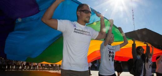 marcha-en-mexicali-matrimonio-igualitario-gay-2016
