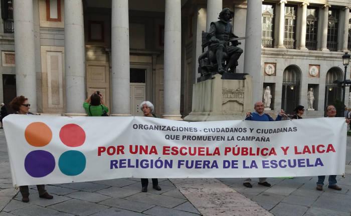 madrid-laica-manifestacion-revalidas-2016-b