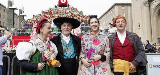 alcalde-zaragoza-y-autoridades-ofrenda-floral-al-pilar-2016