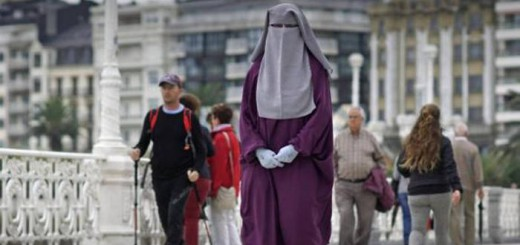 estudiante-musulmana-con-niqab-euskadi-2016