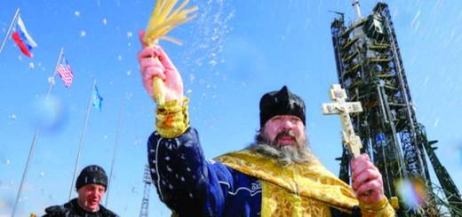 ortodoxos-bendicen-nave-espacial-rusa-2016