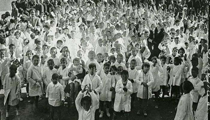 Inauguración del colegio 14 de abril con el presidente de la República Niceto Alcalá Zamora en 1933