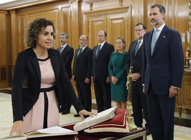jura-toma-posesion-ministros-pp-2016-sanidad-montserrat