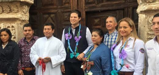 morelia-restaura-porton-iglesia-san-nicolas-mexico-2016