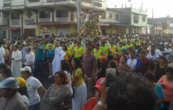 procesion-cristo-del-consuelo-guayaquil-ecuador-2016-a