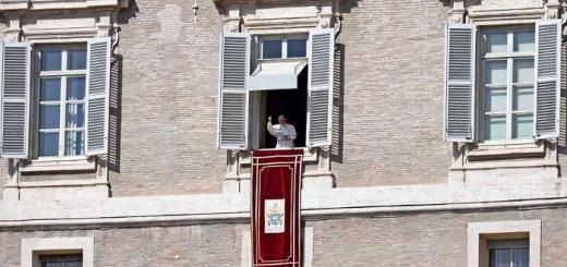Bergoglio en el Angelus 2017