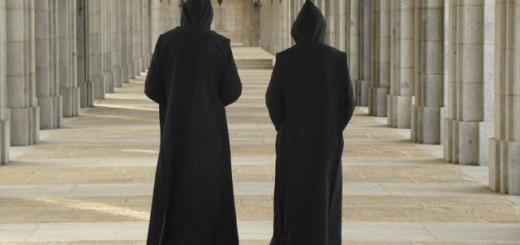 Monjes-benedictinos-abadia-Valle-Caidos