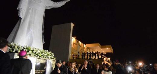 estatua papa en Ciudada Juarez Mexico 2017
