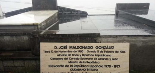 homenaje a Maldonado Asturias Laica 2017 placa