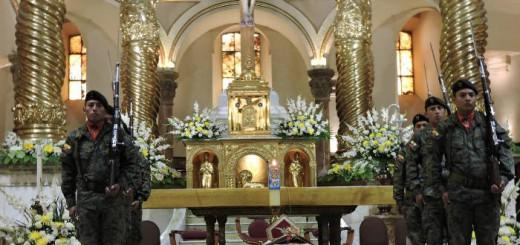 honores militares obispo Cuenca en Ecuador fallecido Alberto Luna 2017