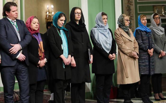 ministras Suecia con velo en Iran 2017 b