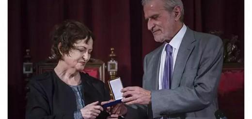 Celia Amoros medalla Universidad Valencia 2017