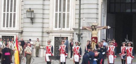 capellan homenaje bandera Madrid miitares