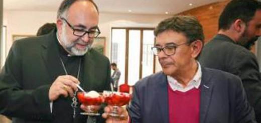 Oviedo concejal PSOE obispo fresas del corpus 2016