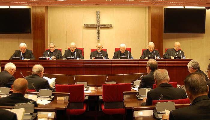 blazquez-presidiendo conferencia episcopal