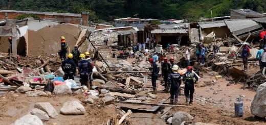 bomberos-en-mocoa inundaciones Colombia 2017