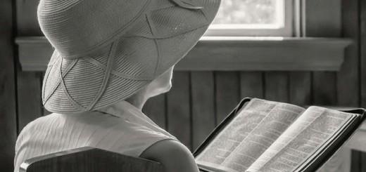 mujeres-en-la-iglesia