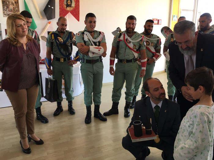 visita cofrade y legion hospital infantil Malaga 2017