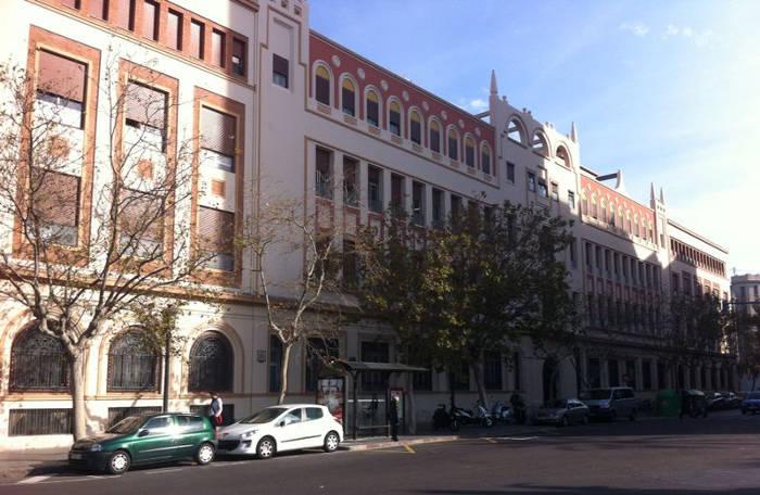 Fachada del colegio concertado Sagrados Corazones (Esclavas) Valencia