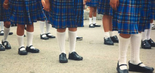 escolares de uniforme