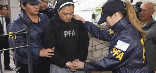 La monja Kumiko Kosaka ingresa a los tribunales de Mendoza donde fue interrogada en una causa por abuso de menores. TELAM