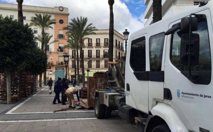 montaje palcos semana santa Jerez 2017