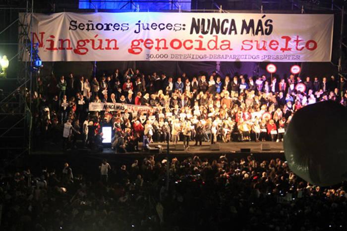 protesta cambio condena genocidas dictadura Argentina 2017