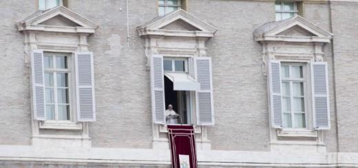 Bergoglio en el Vaticano