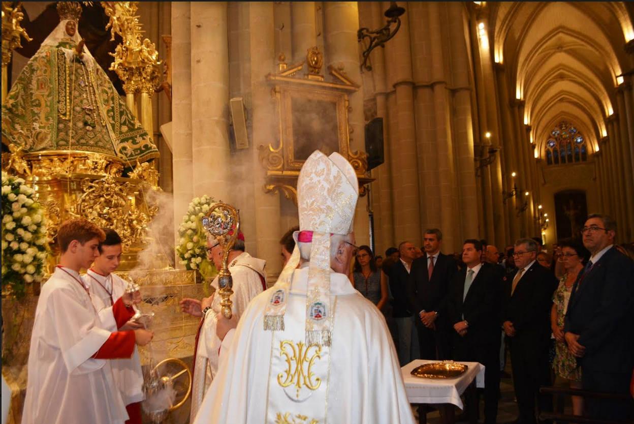 El presidente de Castilla-La Mancha y otras autoridades asisten en ...
