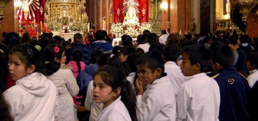 alumnos Salta en la catedral